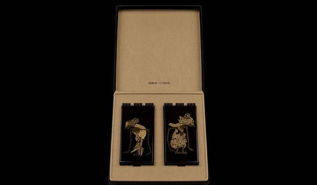 <strong>SERGE LUTENS|セルジュ・ルタンス</strong> 「蒔絵2個セット」蒔絵がほどこされたコンパクト。世界中のコレクター垂涎の逸品で、日本では1セットのみ販売。26万2500円