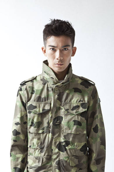<strong>A BATHING APE&reg;|ア・ベイシング・エイプ&reg;</strong>  A BATHING APE&reg; 2012年春夏メンズコレクション<br>1ST CAMO GRADATION FIELD JACKET