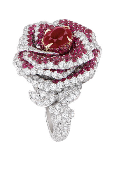 <strong>Dior fine jewelry|ディオール ファイン ジュエリー</strong> 「La Rose Dior Bagatelle(ローズ ディオール バガテル)」 リング [WG×YG×ダイヤモンド×ルビー] 日本未入荷につき価格未定<br /><br />クリスチャン ディオール<br />Tel. 03-3263-2266