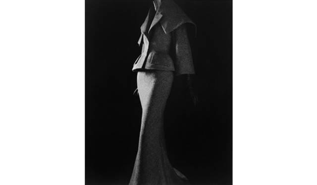 <strong>ART</strong>|展示と映画、ふたつの視点から写真家・現代美術作家 杉本博司に迫る<br />「スタイアライズドスカルプチャー 011 [ジョン・ガリアーノ 1997]」 2007 年