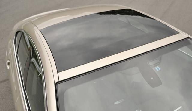 <strong>BMW 6 Series Gran Coupe|ビー・エム・ダブリュー  6 シリーズ グランクーペ</strong><br />電動ガラス・サンルーフ(18万5千円)