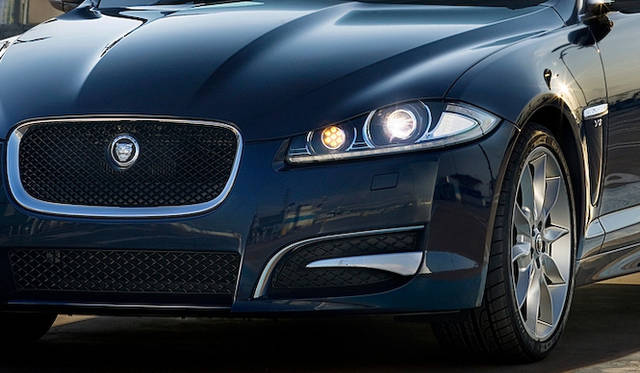 <strong>Jaguar XF|ジャガー XF</strong>