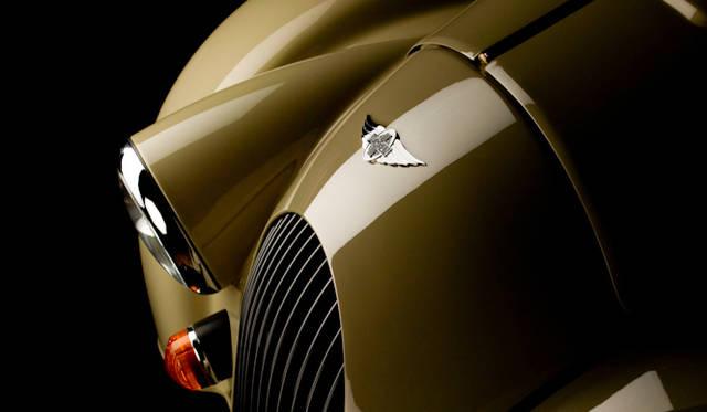 <strong>Morgan 4/4|モーガン 4/4</strong><br />1936年に登場して以来 ながきにわたりつくりつづけられるライトウエイトスポーツカー