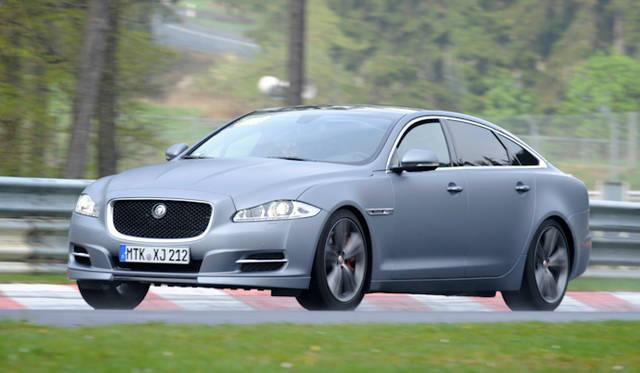 <strong>Jaguar XJ|ジャガーXJ</strong><br />2009年より製造が開始された4代目のXJ