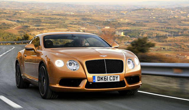 <strong>Bentley CONTINENTAL GT V8|ベントレーコンチネンタルGT V8</strong><br />2010年に登場した大型クーペ アウディとの共同開発である4リッターV8エンジンを搭載する