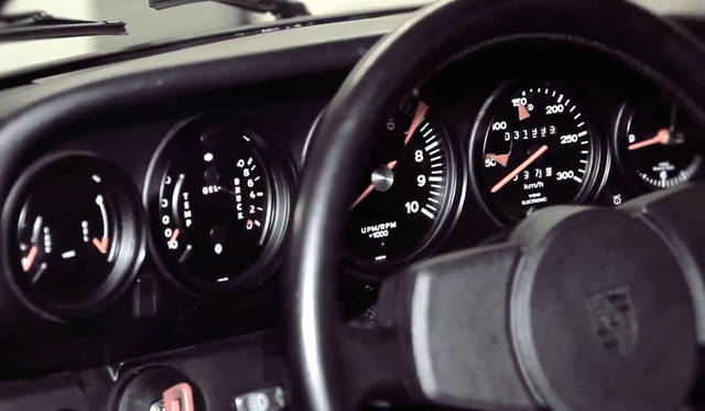 <strong>Porshce Museum Secrets|ポルシェ ミュージアム シークレッツ</strong> ポルシェ 911 ターボの第1号車