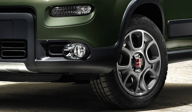 <strong>Fiat Panda 4x4 フィアット パンダ 4x4</strong>