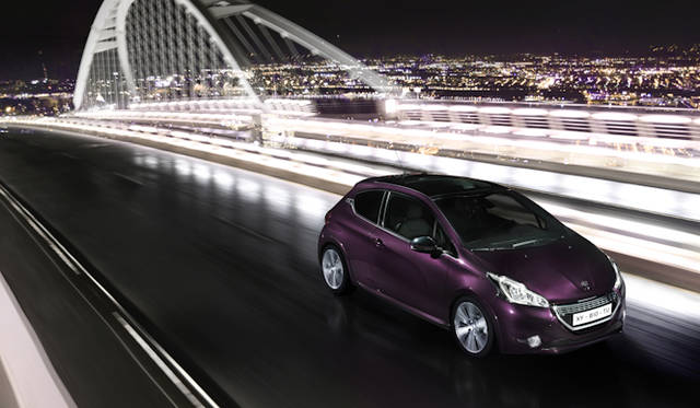 <strong>Peugeot 208 XY|プジョー208 XY</strong>