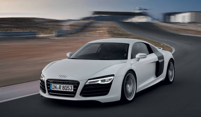 <strong>Audi R8  アウディ R8</strong>