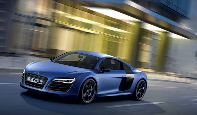<strong>Audi R8 V10 Plus  アウディ R8 V10 プラス</strong>