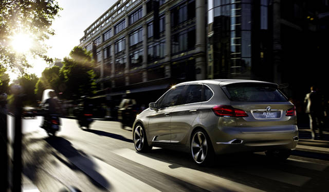<strong>BMW Concept Active Tourer|ビー・エム・ダブリュー コンセプト アクティブ ツアラー</strong>