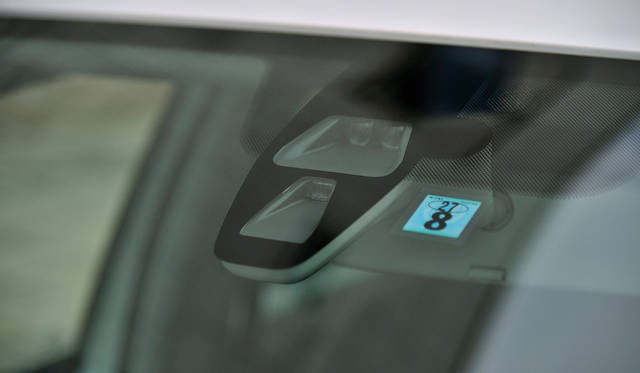 <strong>Volkswagen up!|フォルクスワーゲン アップ!</strong><br />時速30km以内であれば、前方10m以内の障害物やクルマを検知して自動で停車する「シティエマージェンシーブレーキ」は全車標準装備