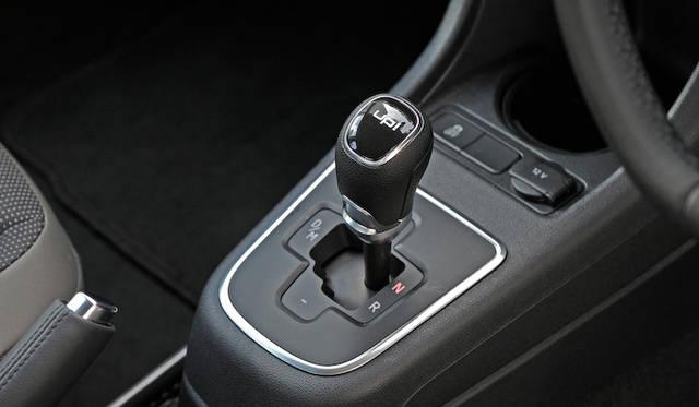 <strong>Volkswagen up!|フォルクスワーゲン アップ!</strong><br />シングルクラッチ式の5段ASGは、手動のシフト操作も意識したデザイン