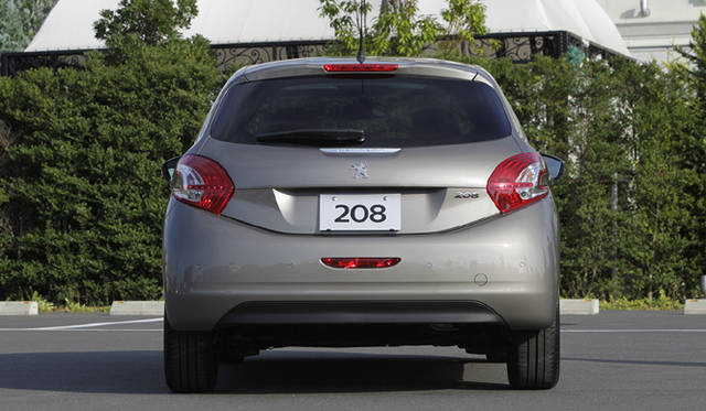 <strong>Peugeot 208|プジョー 208</strong>