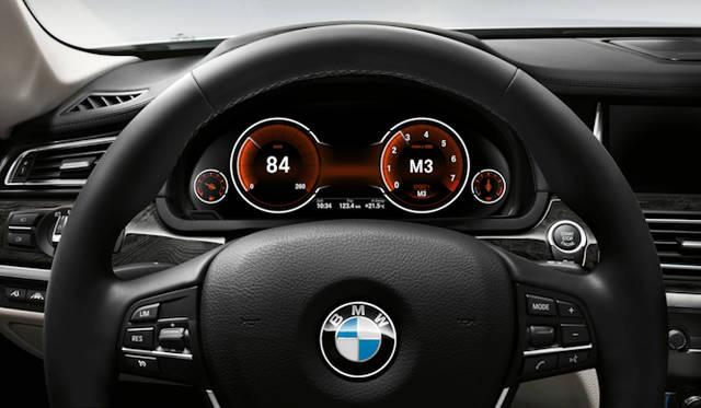 <strong>BMW 7 series|BMW 7シリーズ</strong> マルチ・ディスプレイ・メーター・パネル スポーツモード