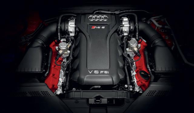 "<strong>Audi RS5 Cabriolet|アウディRS5 カブリオレ</strong><br />4.2リッターV8エンジンは、自然吸気。最高出力331kW(450ps)/8,250rpm、最大トルク430Nm(43.8kgm)/4,000-6,000rpmという高回転型だ。そのサウンドは<a href=""/article/15582"" class=""link12lh15blue"" Title=""RSシリーズの最新作は、「RS5」のオープン版となる最速のカブリオレ"">記事ページ</a>のビデオで確認してほしい"