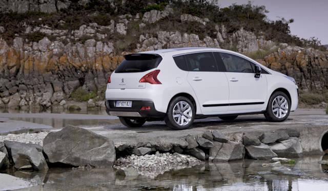<strong>Peugeot 3008 Hybrid4|プジョー 3008  ハイブリッド4</strong>