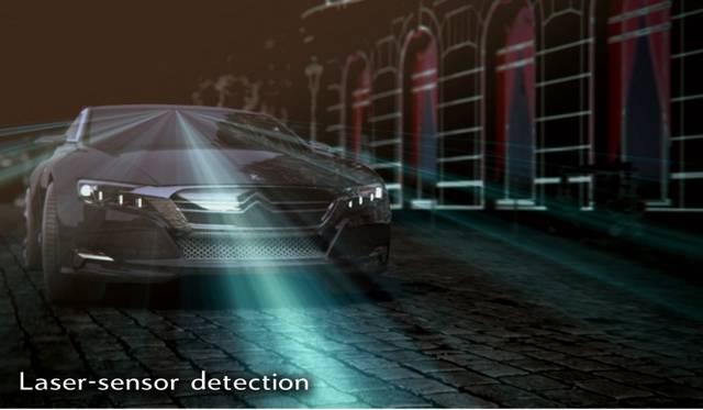 <strong>Citroen Numero 9|シトロエン ニュメロ ヌフ</strong><br />チャイルドセーフティはレーザーセンサーで前方を確認