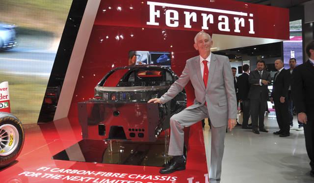 <strong>Ferrari Carbon Composite Chassis|フェラーリ カーボンコンポジットシャシー</strong> ロリー・バーン氏とともに