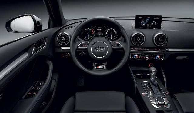 <strong>Audi A3 Sportback TCNG|アウディ A3スポーツバック TCNG</strong> Photographs by Audi