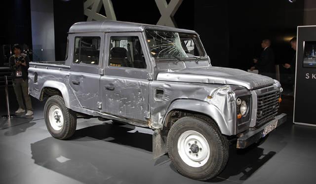 <strong>Land Rover Defender|ランドローバー ディフェンダー</strong>