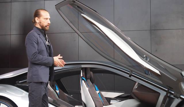 <strong>BMW i8 Concept|ビー・エム・ダブリュー i8 コンセプト</strong><br />BMW i シニア・エクステリア・デザイナーのカイ・ランガー氏