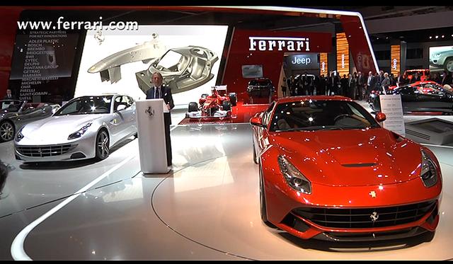 <br />フェラーリのブース正面には、新世代V12フラグシップの「F12」が鎮座。その後ろには、今回あらたにパノラマルーフを装備した「FF」が並ぶ