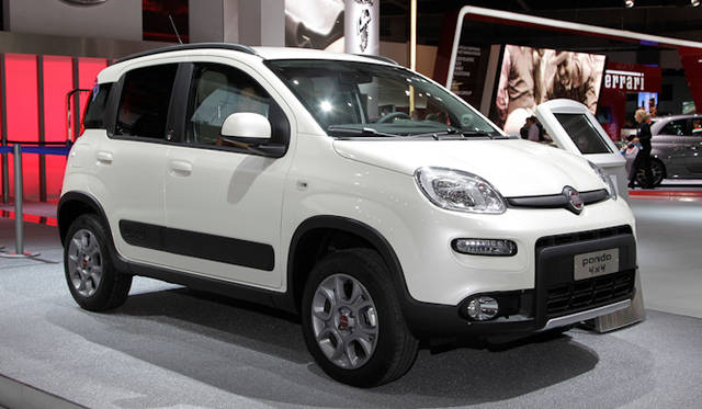 "<strong><a href=""/article/15614"" class=""link12lh15blue"" Title=""フィアット500L、パンダ4x4などをパリモーターショーに出展