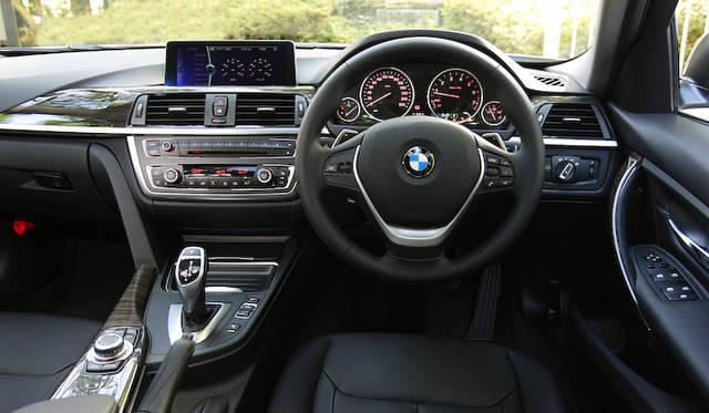 <strong>BMW 320i xDrive|ビー・エム・ダブリュー 320i エックスドライブ</strong><br />ラグジュアリーライン