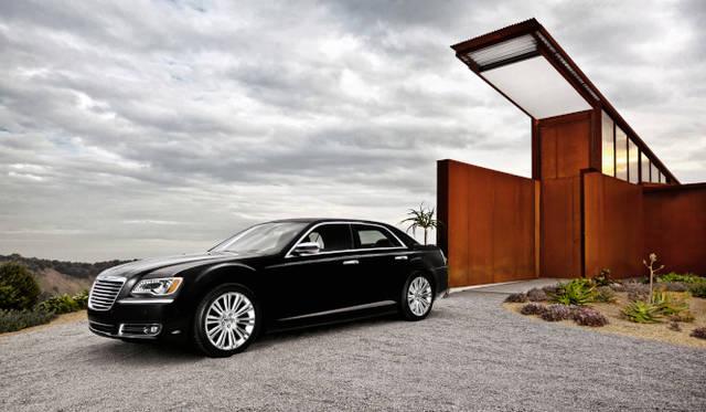 <strong>Chrysler 300|クライスラー 300</strong> 写真は本国仕様車