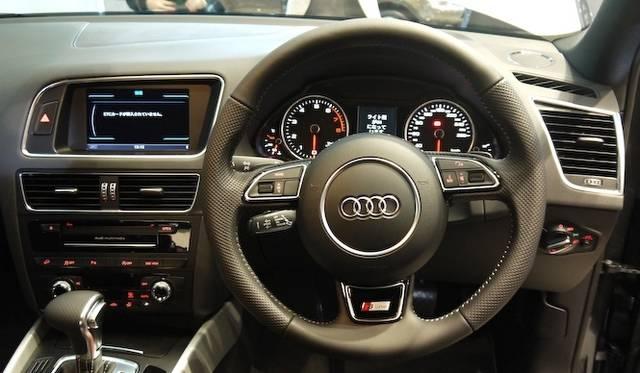 <strong>Audi Q5|アウディ Q5</strong>