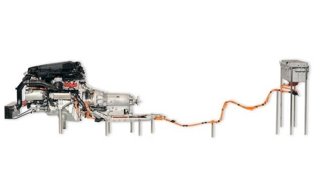 <strong>BMW ActiveHybrid 5|ビー・エム・ダブリュー アクティブハイブリッド 5</strong><br />アクティブハイブリッド 5のハイブリッドシステム 非常にコンパクトである