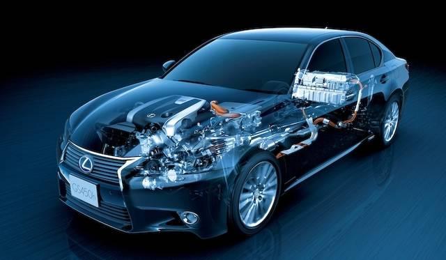 <strong>Lexus GS450h|レクサス GS450h</strong><br />GS450hのハイブリッドシステム。BMWのものとくらべると、やや大がかりなものだが、モーター単体で200psもの出力を発生させる