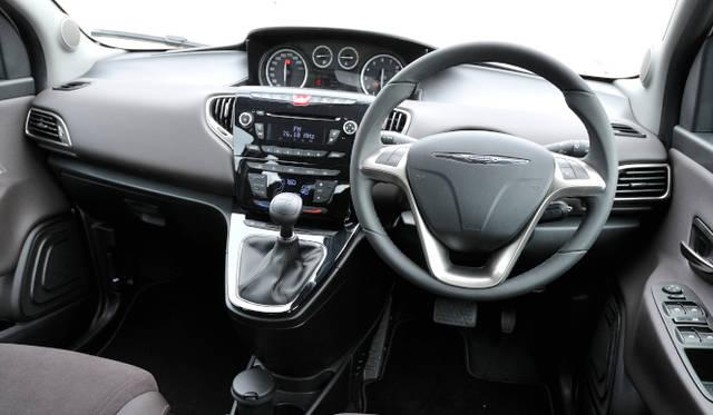 <strong>Chrysler Ypsilon|クライスラー イプシロン</strong>