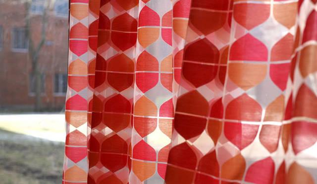 "<strong>Knoll Japan ノル ジャパン</strong> 1958年、デザイナーであるRoss Littellによってデザインされた、Knoll Textilesの伝統的なパターンの一つ、""Mira Sheer""。色ちがい6種あり"