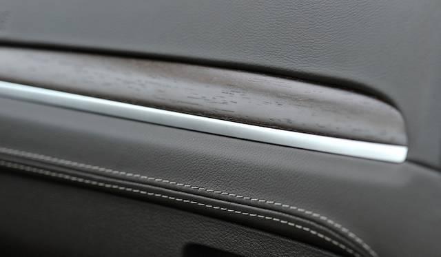 <strong>Chrysler 300C Luxury|クライスラー 300C ラグジュアリー</strong>