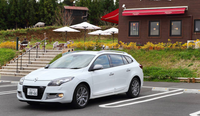 <strong>Renault Megane Estate GT Line|ルノー メガーヌ エステートGTライン</strong>