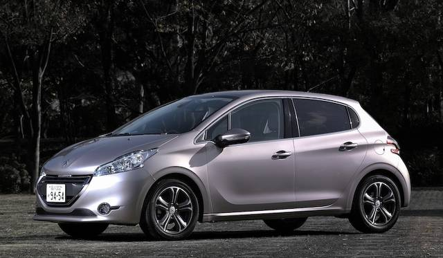 <strong>Peugeot 208 Cielo プジョー 208 シエロ</strong>