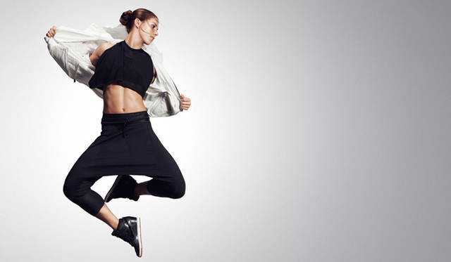 <strong>NIKE|ナイキ</strong> モデルはサッカーアメリカ女子代表、アレックス・モーガン。<br /><br />2013年春夏デジタルルックブック<br />http://nikeinc.com/news/supernatural  ※ルックブック中には日本未展開のアイテムも含まれる