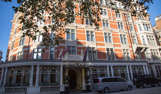 ロンドンでも屈指の高級住宅街、メイフェア地区に位置し、ボンドストリートからも徒歩数分という最高のロケーションに建つ「ザ・コノート」