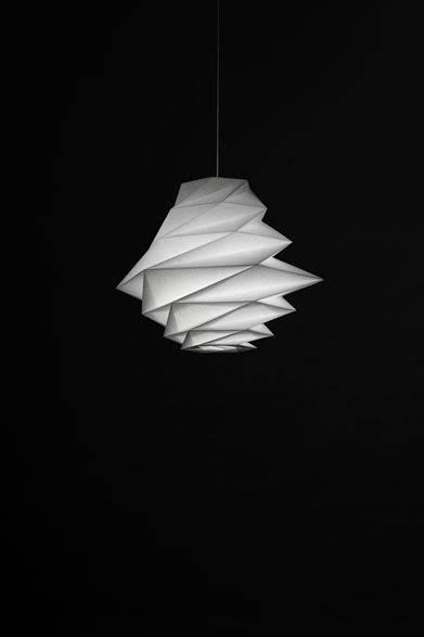 <strong>ISSEY MIYAKE|イッセイ ミヤケ</strong> 「陰翳 IN-EI ISSEY MIYAKE」 「FUKUROU」6万3000円 Photo by Hiroshi Iwasaki &#169; Miyake Design Studio 2012