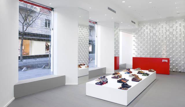 ニューヨーク店同様のコンセプトでデザインされた、CAMPER マドリード店