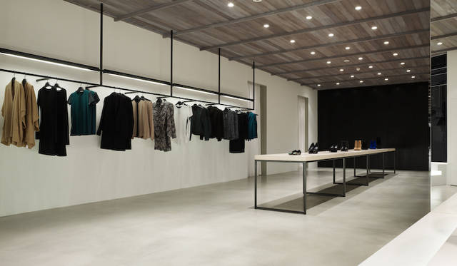 佐藤オオキ氏は世界すべてのtheoryフラッグシップショップのデザインを手がける<br /> 写真はtheory ロンドン店