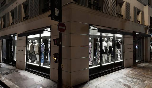 佐藤オオキ氏は世界すべてのtheoryフラッグシップショップのデザインを手がける<br /> 写真はtheory パリ店