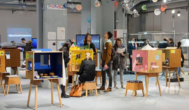 <strong>東京物産展</strong> ミラノサローネ2013でのインスタレーション展「10 Japanese Designers in koloro-desk」 Photo by Takumi Ota