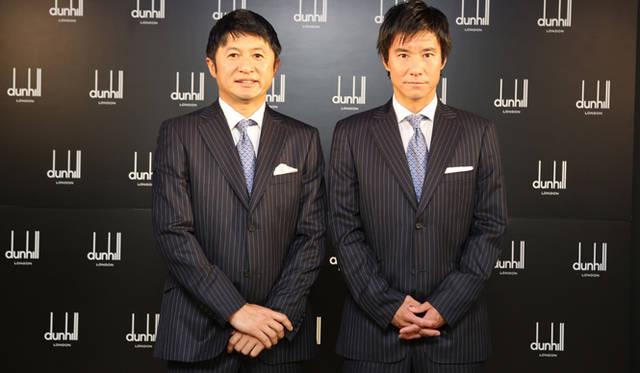 """日本代表オフィシャルスーツ""""勝負服""""を着用して登場した武田修宏さん(写真左)、中山雅史さん"""