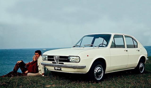 1971年 トリノ自動車ショーにて発表されたモデル。ゴルフ誕生のきっかけとなったクルマの1台