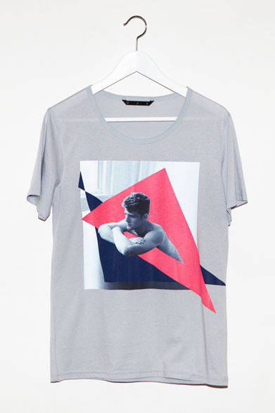 <strong>ato|アトウ</strong>  ato×Thomas Dozol コラボレーション 「Cashel(Flat Space #1), 2013」 Tシャツ1万2600円