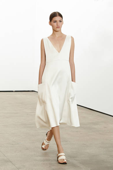 "<strong>DEREK LAM|デレク ラム</strong> <a href=""/article/18179"" class=""link12lh15blue"">2014年春夏プレコレクション</a>"