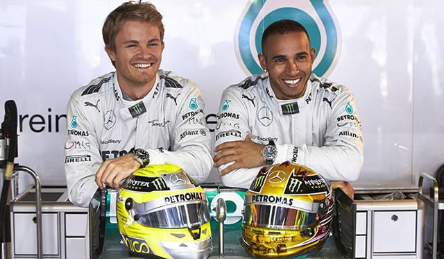 世界的に著名なセレブリティが名を連ねるIWCのアンバサダーにレーシングドライバーとしてはじめてルイス・ハミルトン(右)とニコ・ロズベルグ(左)のふたりが就任した